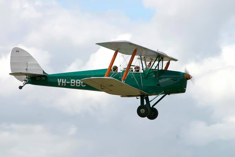 Tiger Moth Scenic Joyflights over the spectacular vineyards, wineries and Newcastle coastline