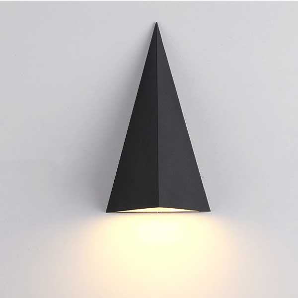 Outdoor triangle wall light