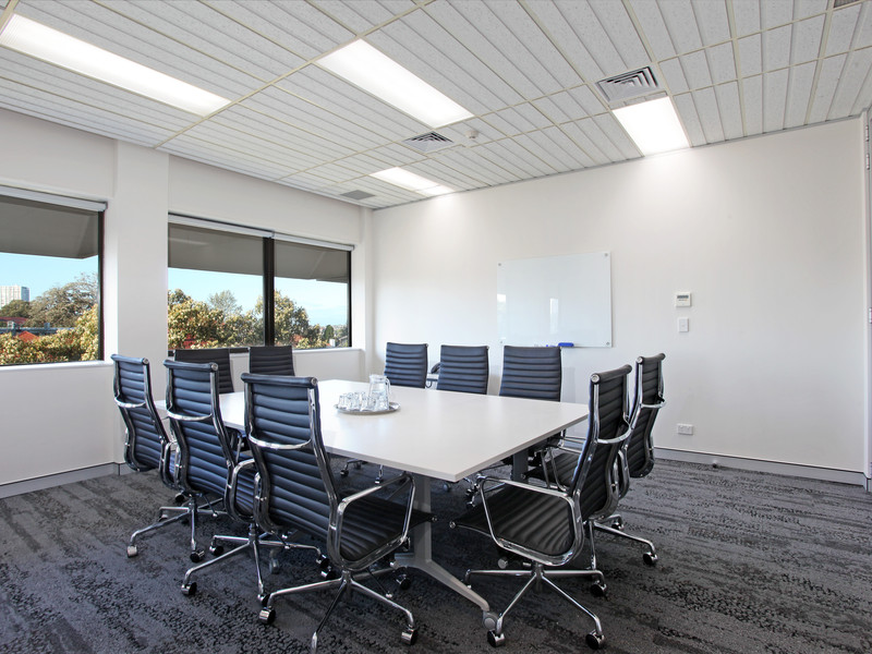 Edgecliff 10 person meeting room