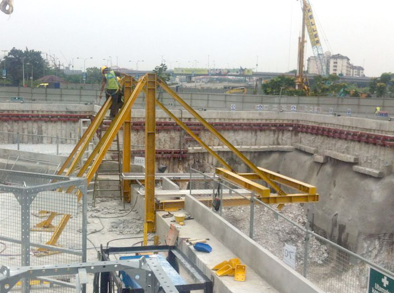 Pasar-Rakyat-Station-42m-Stair-Access-002.jpg