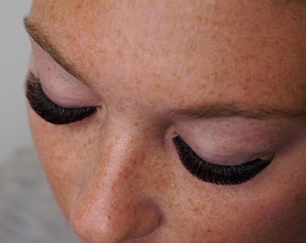 Eyelash Extensions Sydney | Best Mink & Silk Lash Extension | Lash