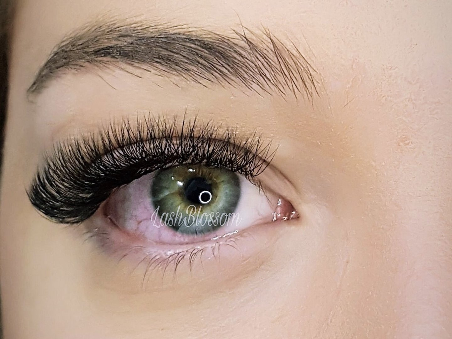 Eyelash Extensions Sydney | Best Mink & Silk Lash Extension | Lash