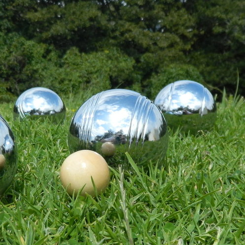 <p>See our full range of traditional outdoor games here including Finska, Kubb, Croquet, Quoits, Bocce, Boules, Hookey, Frescobol, Skittles, Beach Cricket, Yard Dice, Bygga and more.</p>