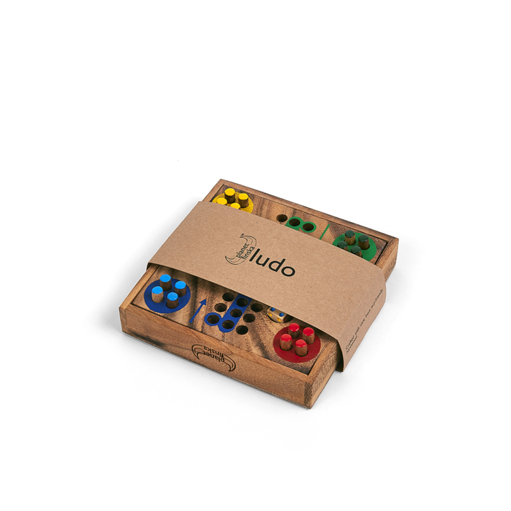 Our compact range of travel classics are the perfect family holiday entertainment and a great social alternative to smart phone addiction. Ideal stocking fillers too. The games all come in beautiful hardwood boxes with lids.
