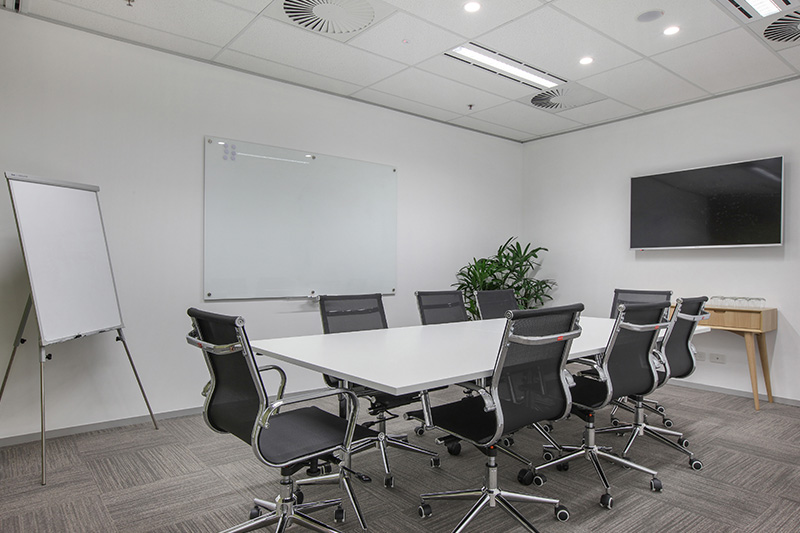 8 PERSON BOARDROOM