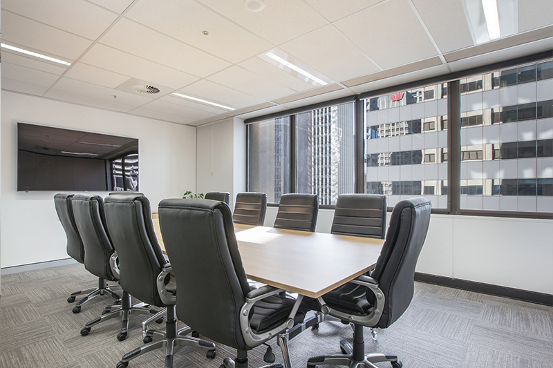 10 PERSON BOARDROOM